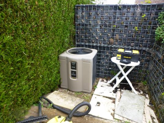 Chauffage piscine Orléans Saran Loiret 45 ecoaerothermie clim saran pompe à chaleur